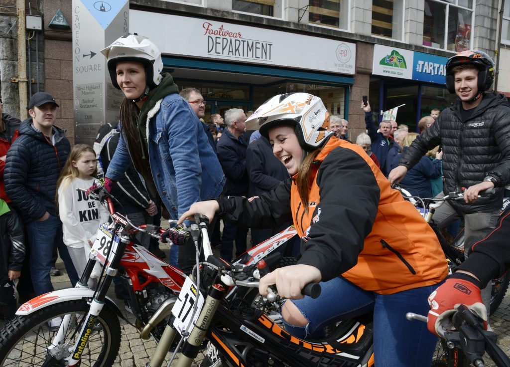 Ladies champion Jess Brown and fellow female rider Chloe Richardson. Photograph: Iain Ferguson, The Write Image