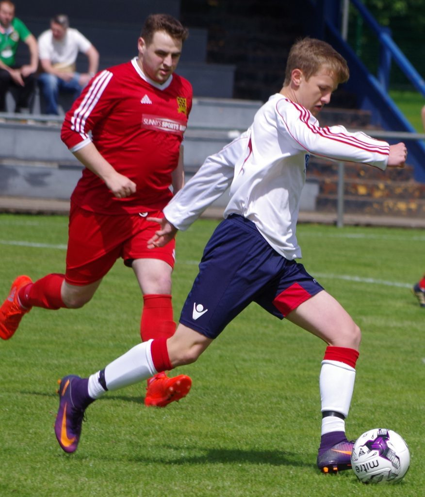 16-year-old Ruairidh Horne in action against South Lochaber Thistle.