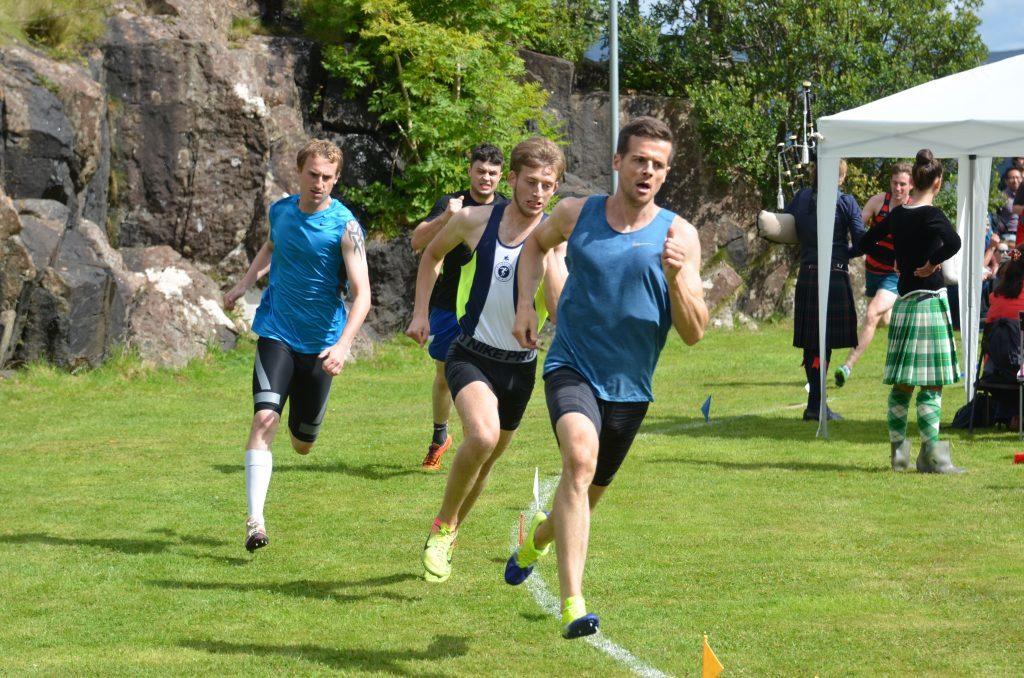 The heat is on: Anthony Daffurn, Ewen Bradley, Stewart Clark and John MacKenzie race to the finish line. F33 Skye Games 10NO. Photo: Sara Bain.