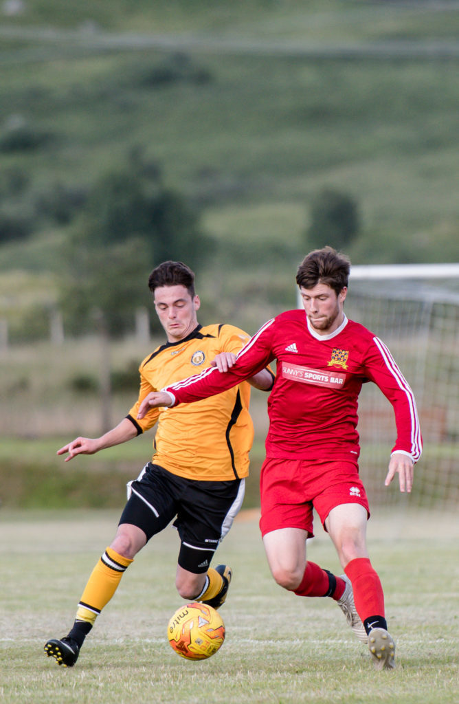Thistle's John Ferguson battles with Fort's Liam Taylor. NO F30 Fort SLT 06