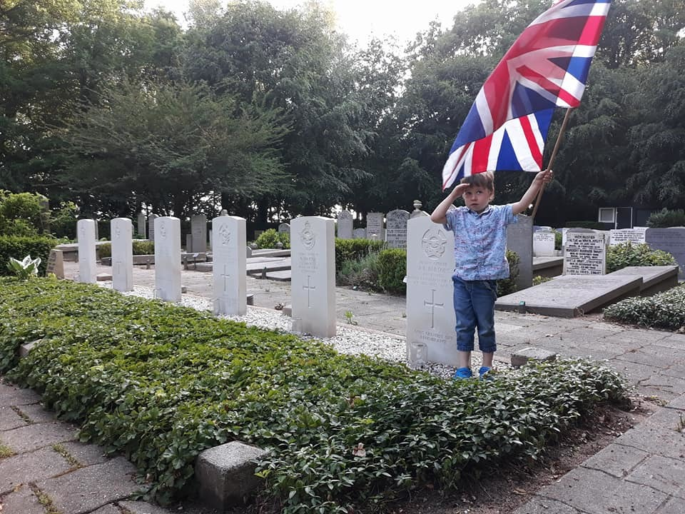 Four-year-old Joost at the graves on the 75th anniversary of the crash.