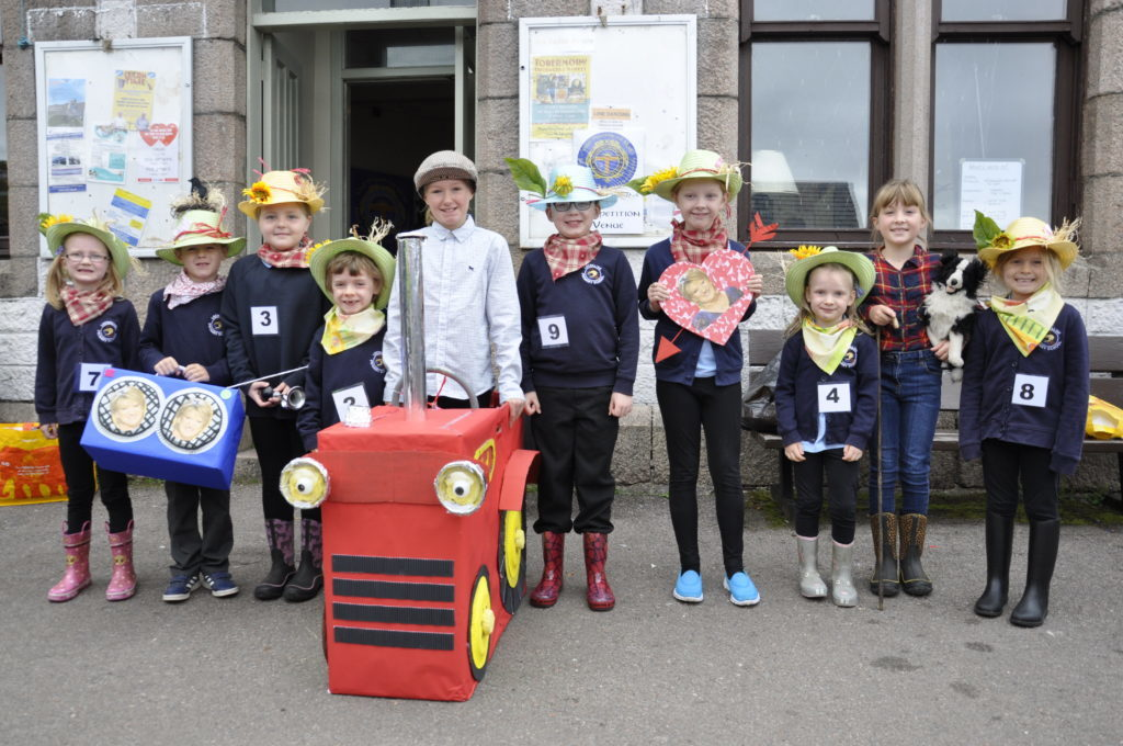 Lochaline Primary School pupils in costume for their Action Song. 17_T37_MullMod03