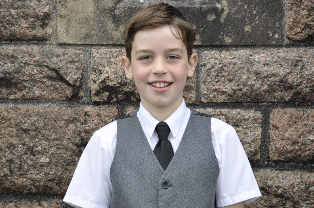 Rockfield's Marco MacGregor won the 9-10 fluent solo singing. 17_T37_MullMod04
