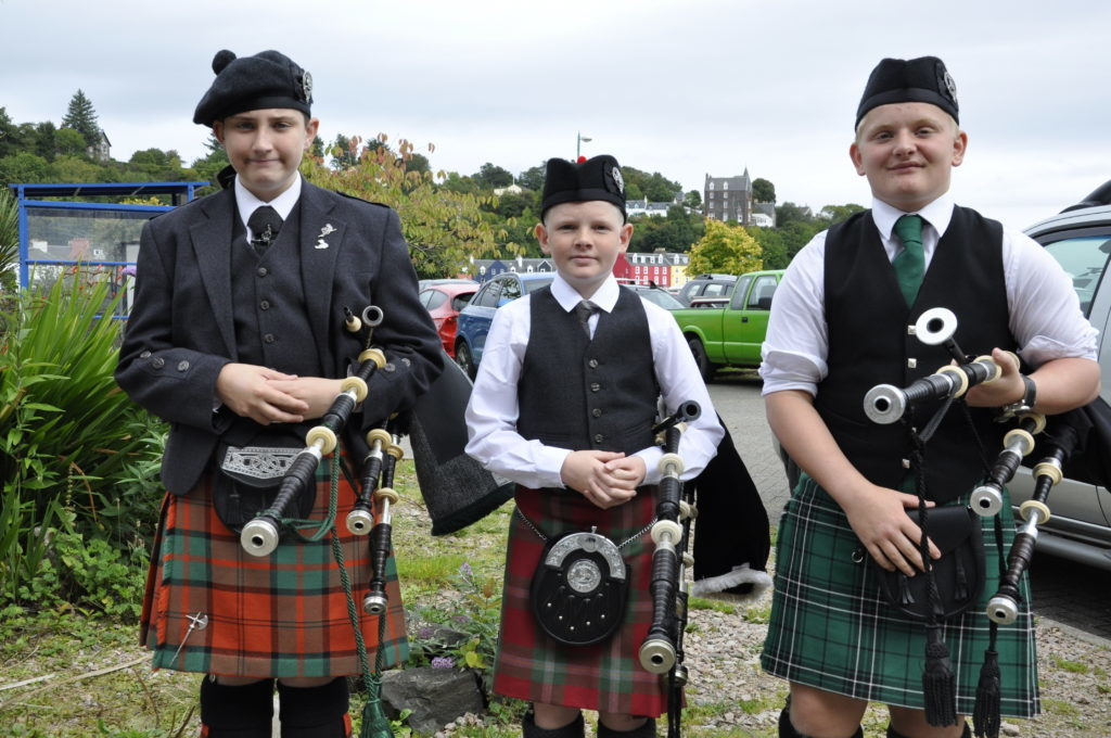Oban High School's Logie Johnston won the boys u19 bagpipes for beginners, while Calum Dunbar from Inverness won the 13-15 bagpipes Strathspey and Reel, while Tobermory's Rory Reade won the 13-15 march. 17_T37_MullMod19