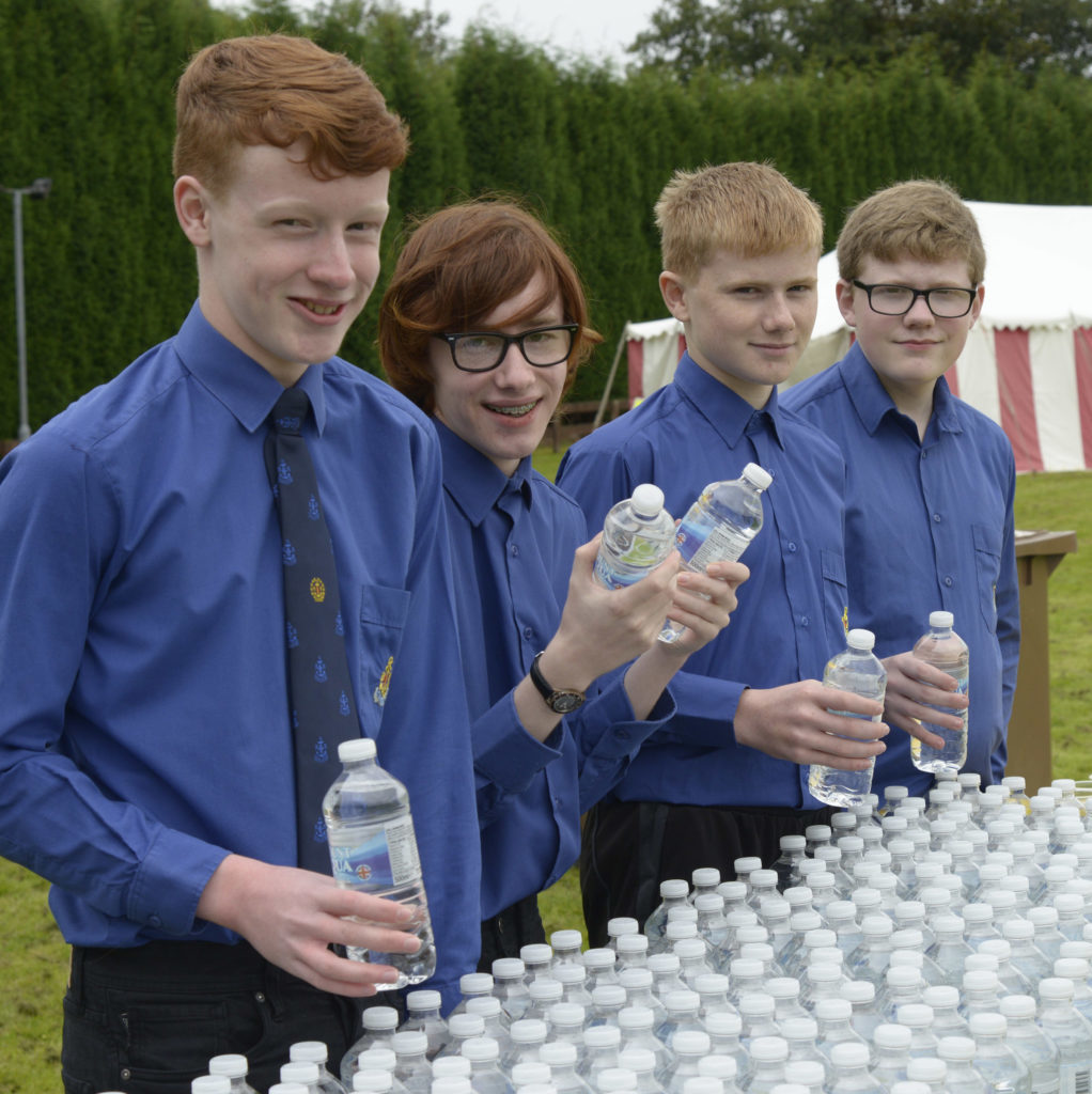 The Boys' Brigade were on hand to give out water to the athletes. NO F36 Ben Race 08