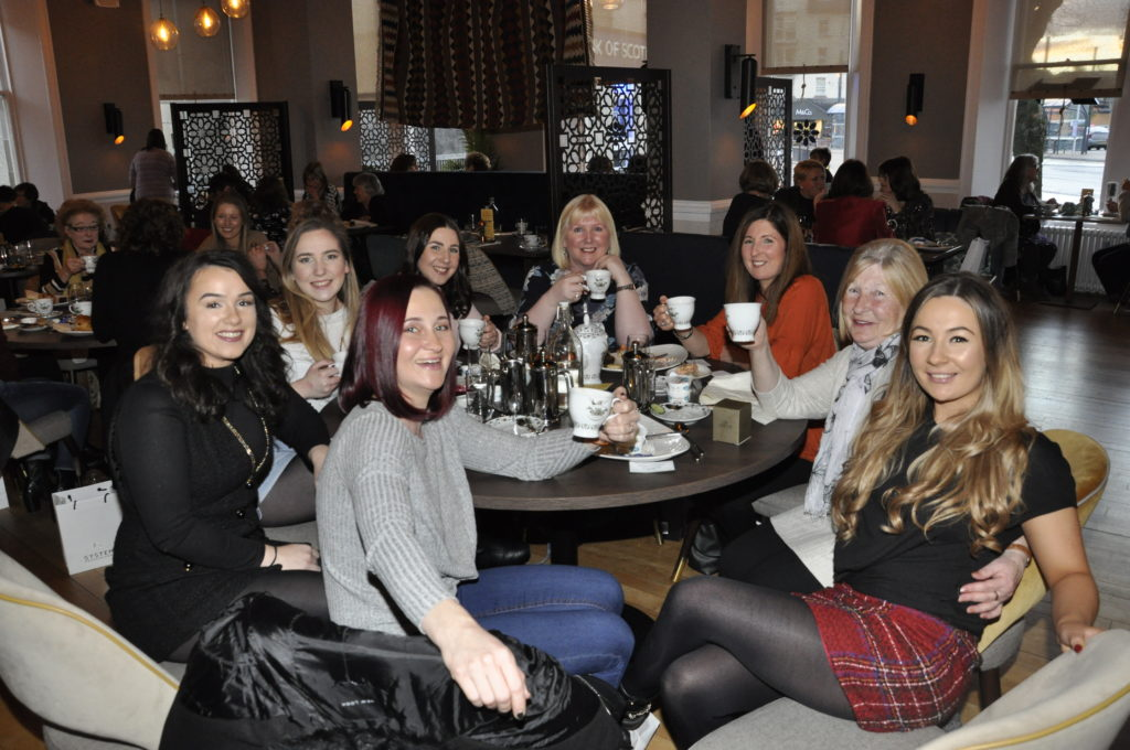 This table enjoyed their VIP gin and tea experience. 17_T48_WinterFestivalSunday05