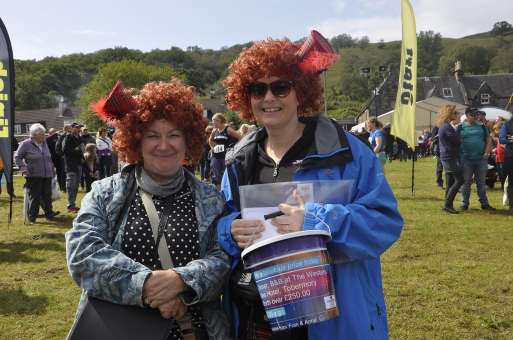 Fran and Anna, aka Mairi Fleck and Ali Martin, spread a bit of sunshine while collecting for North Argyll Carers Centre.
