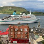 cruise-ship-in-harbour-1