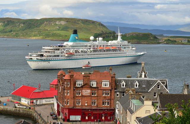 Bumper year as 30 cruise ships already confirmed for Oban