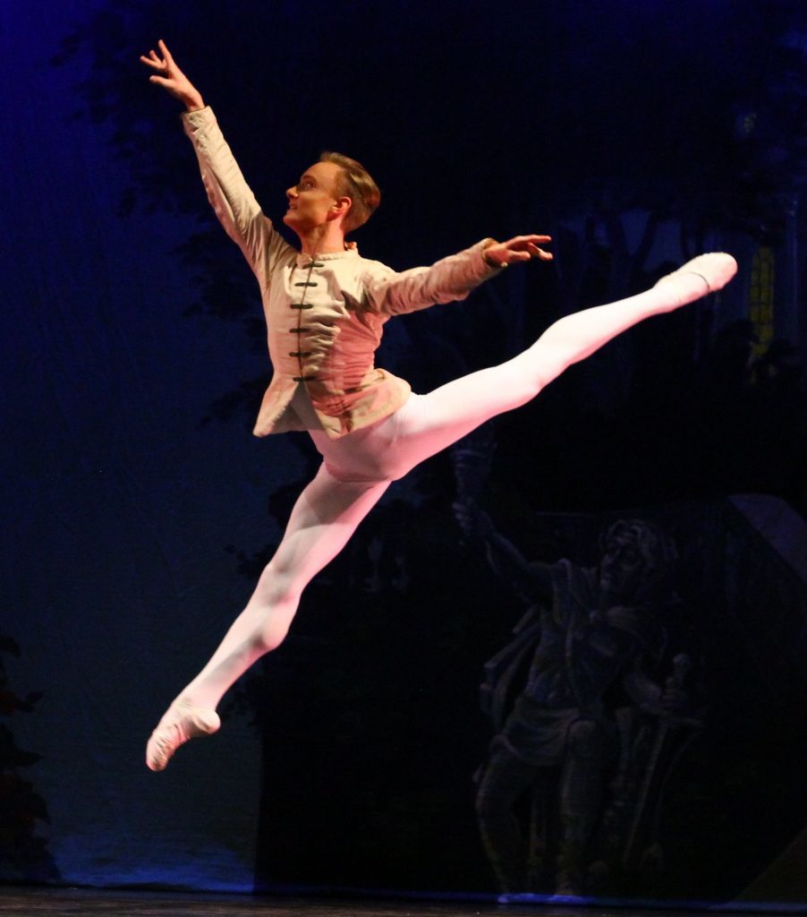 Colorado Ballet S Swan Lake: Ballet West Launches Swan Lake Tour