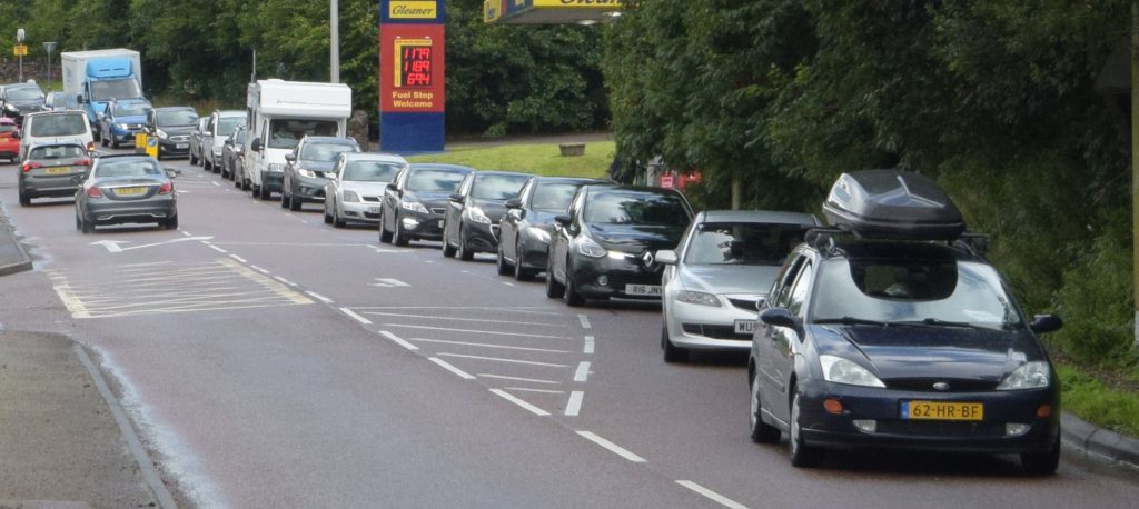 AA predicts busiest day on roads during festive season