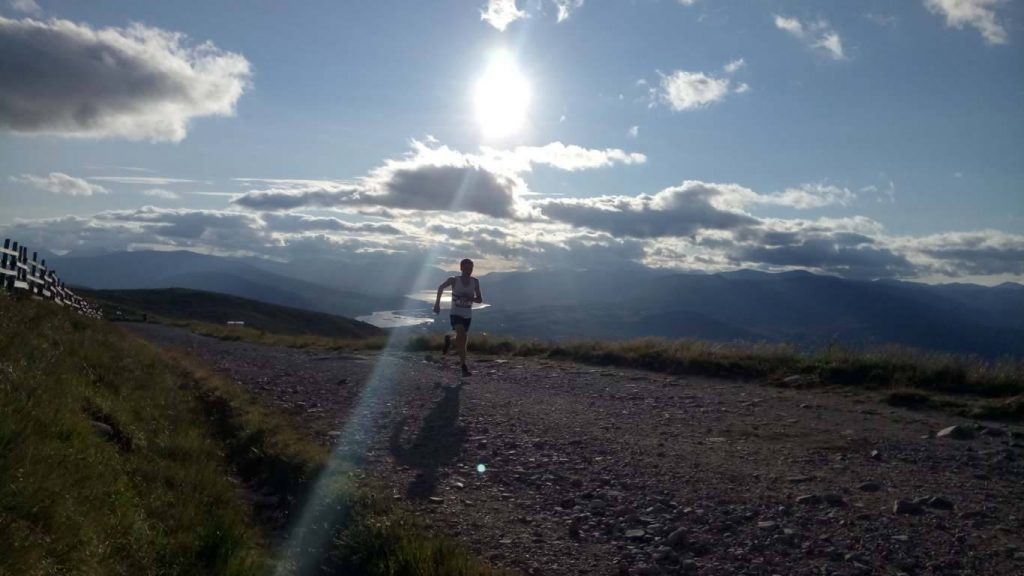 Cour Loop race runners defy snowy Lochaber conditions