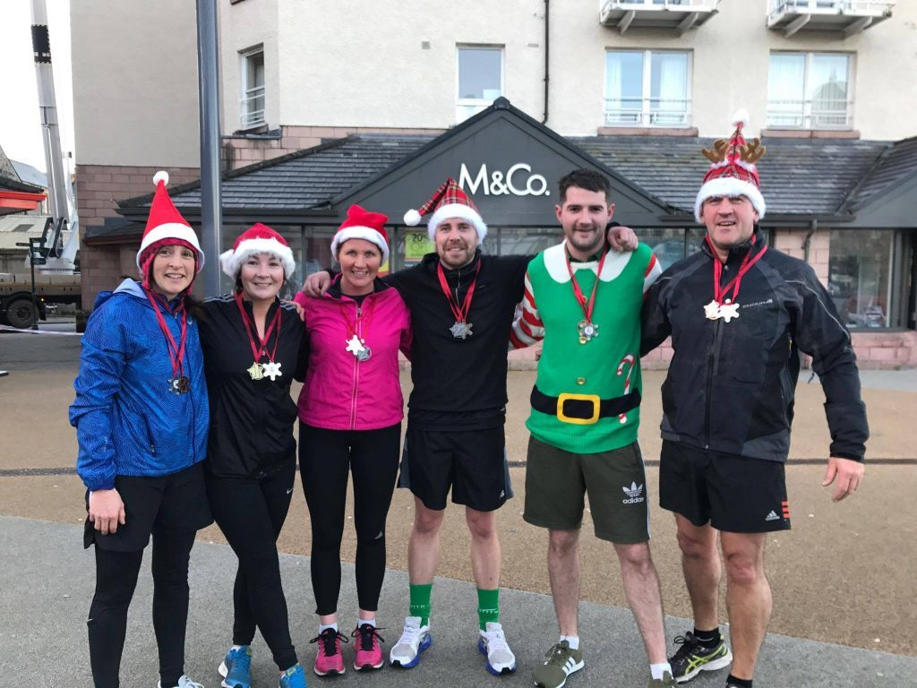 Runners brave the cold for Oban Santa Dash