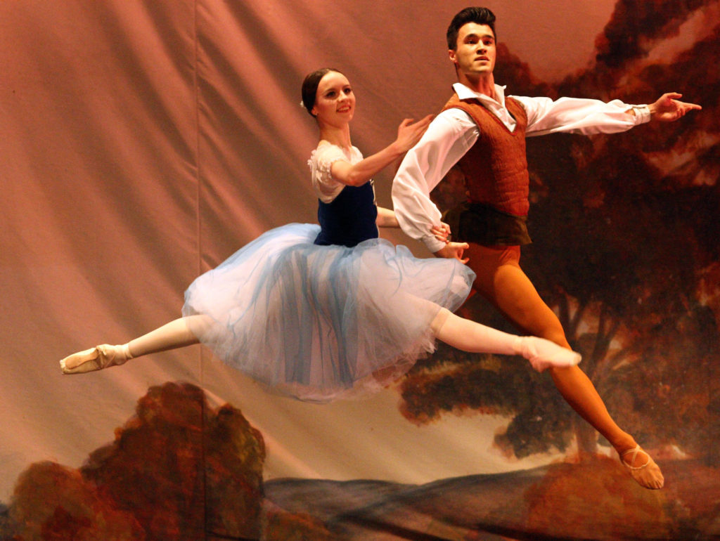 Ballet West dancers strut their stuff in the Corran Halls