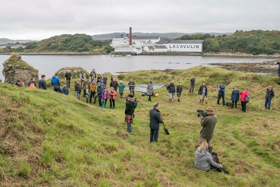 Volunteers join Islay dig