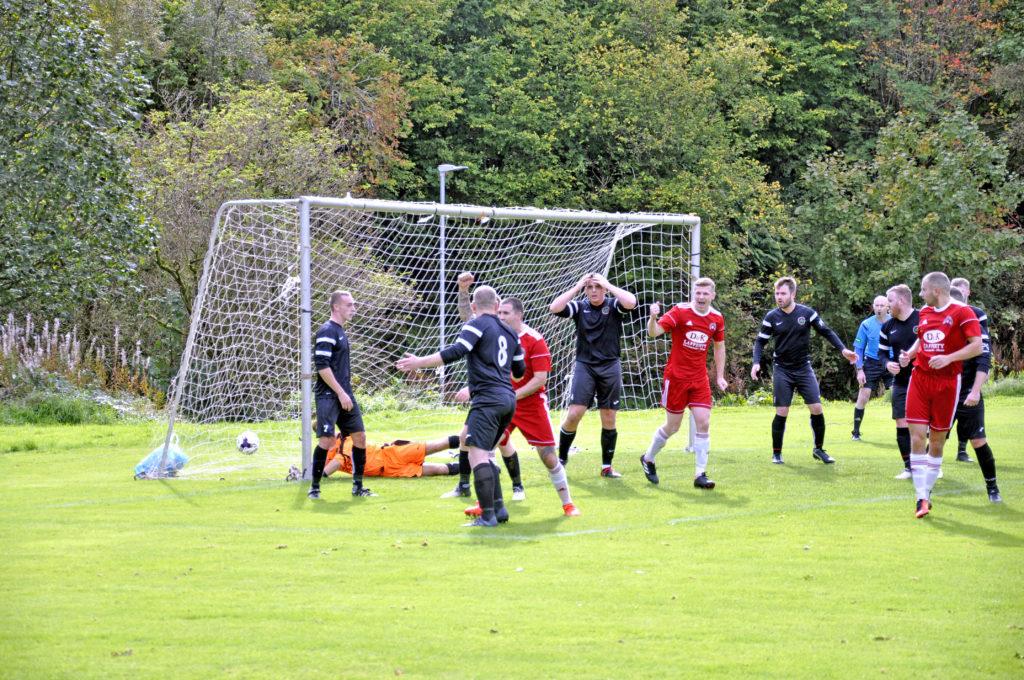 Slick Saints slam three past Motherwell