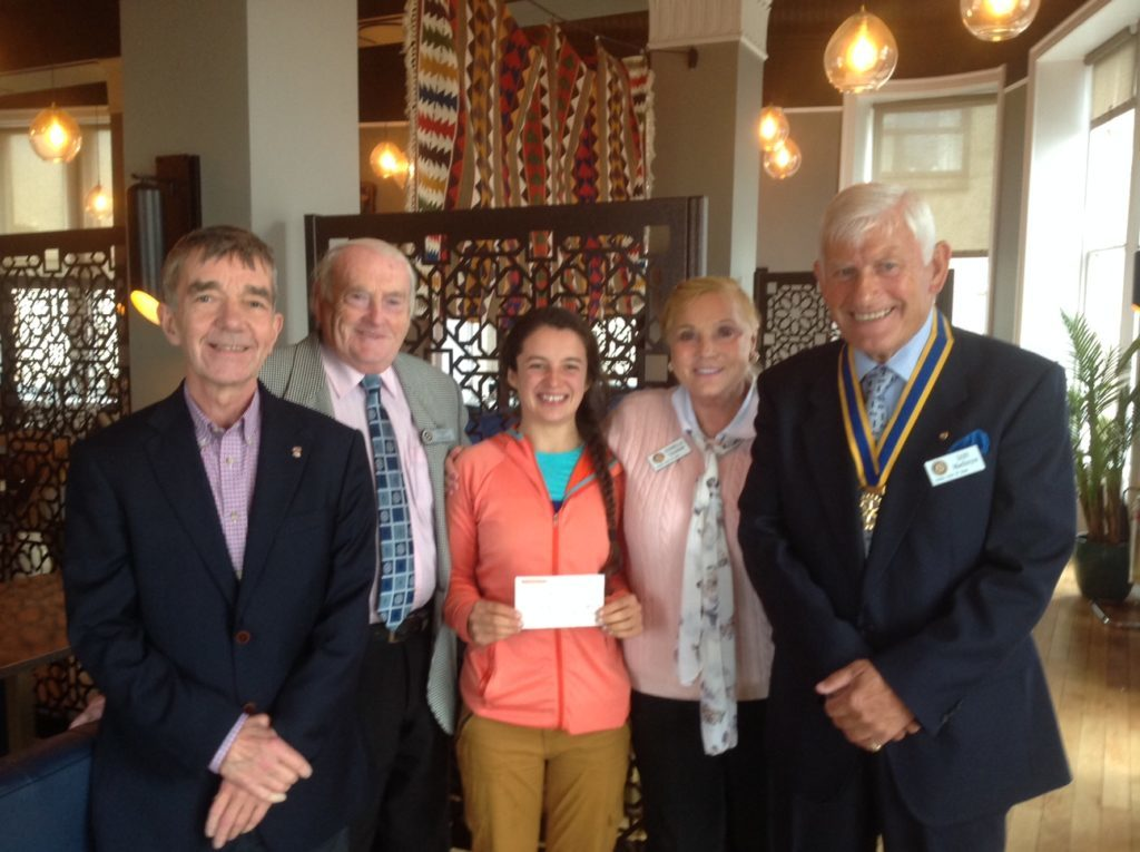 Oban Rotary gives cheque to charity
