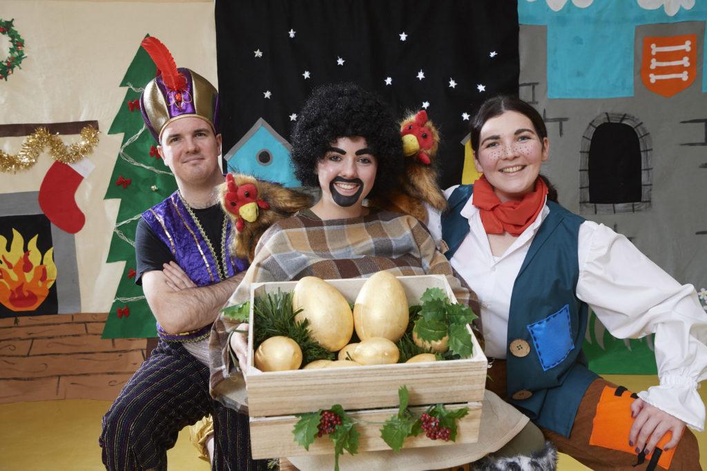 Gaelic pantomime brings festive magic to schools