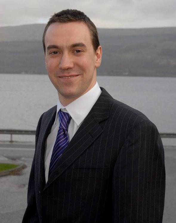 Islay's broken street lights will cost £120,000 to fix