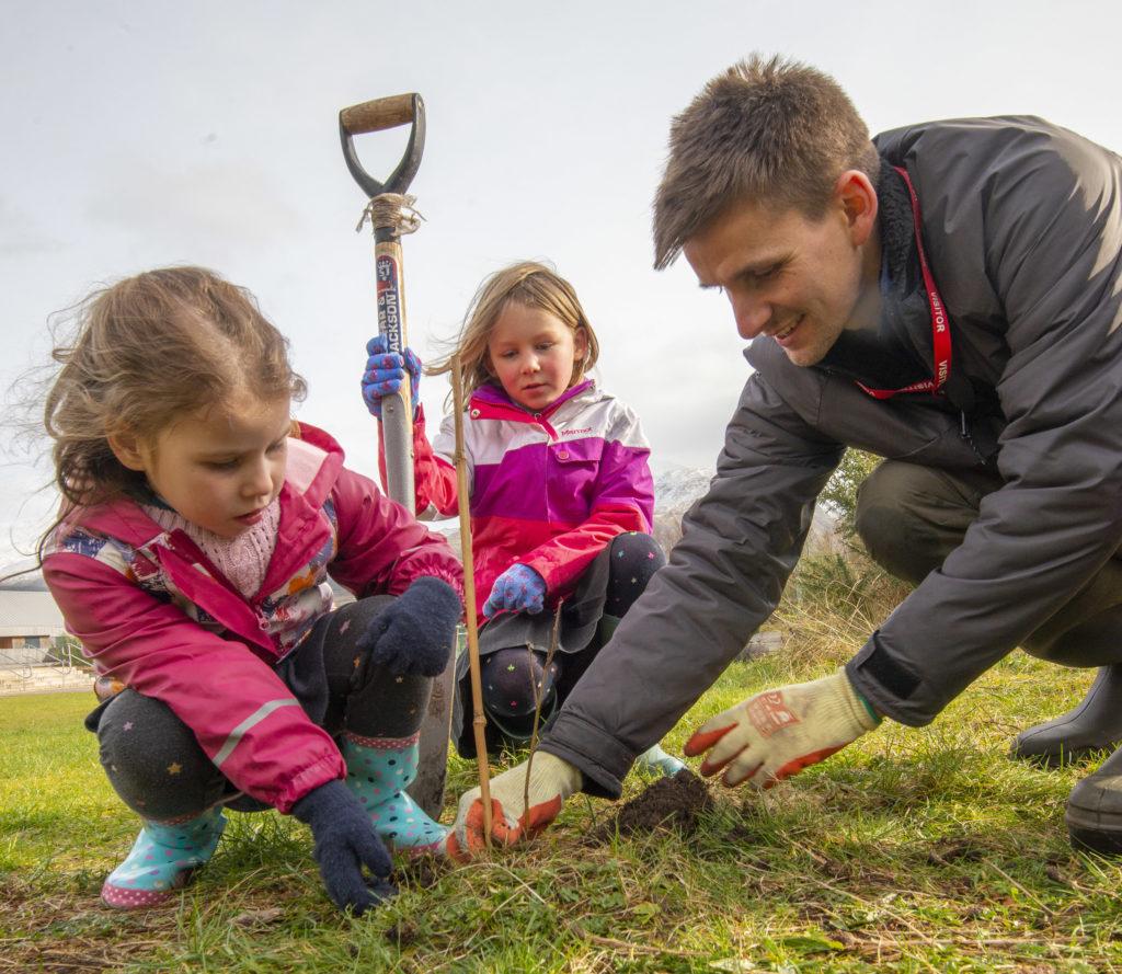 Lochaber pupils plant 30 new saplings
