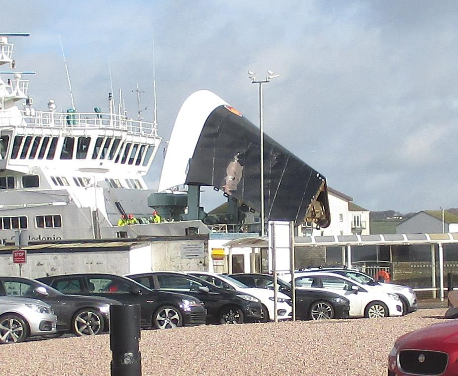 Arran ferry crash causes traffic chaos