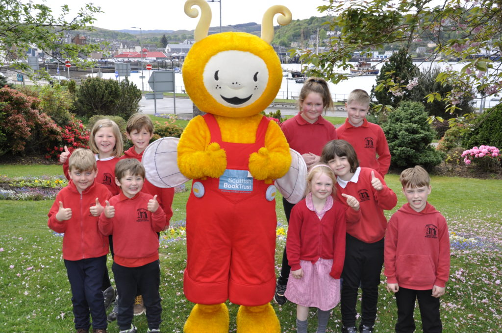 Scottish Book Trust announces new Bookbug Hero Award