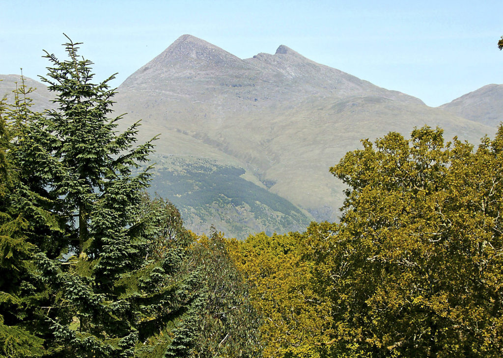 Walker airlifted to hospital after Ben Cruachan fall