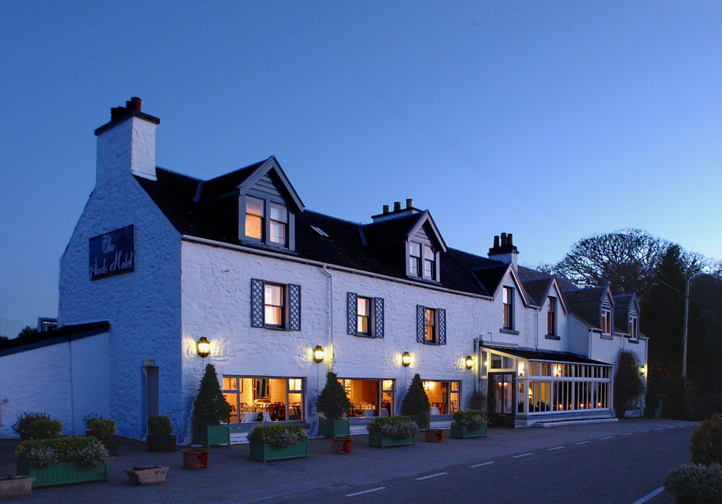 Spend a romantic evening this Valentine's at Aird's Hotel