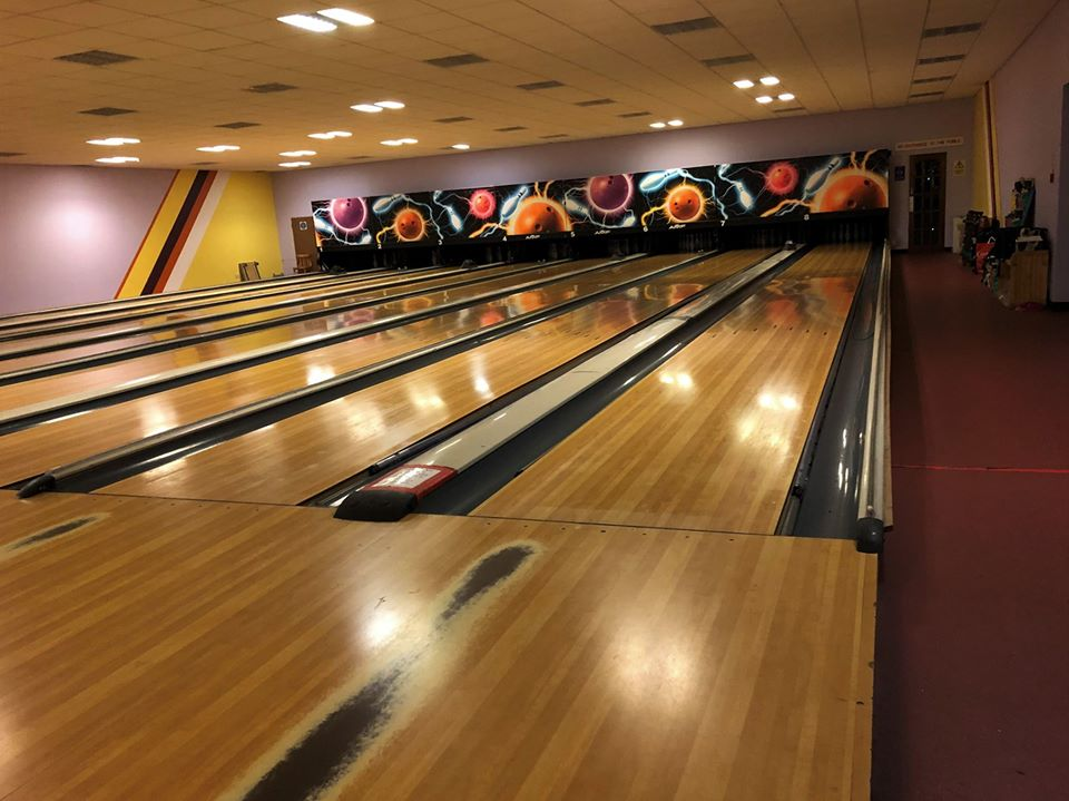 Alleycats stay top of ten-pin bowling league